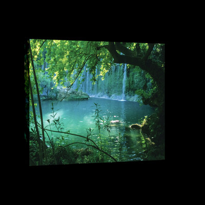 Mysterious Turquoise Lake Canvas Schilderij PP1508O4